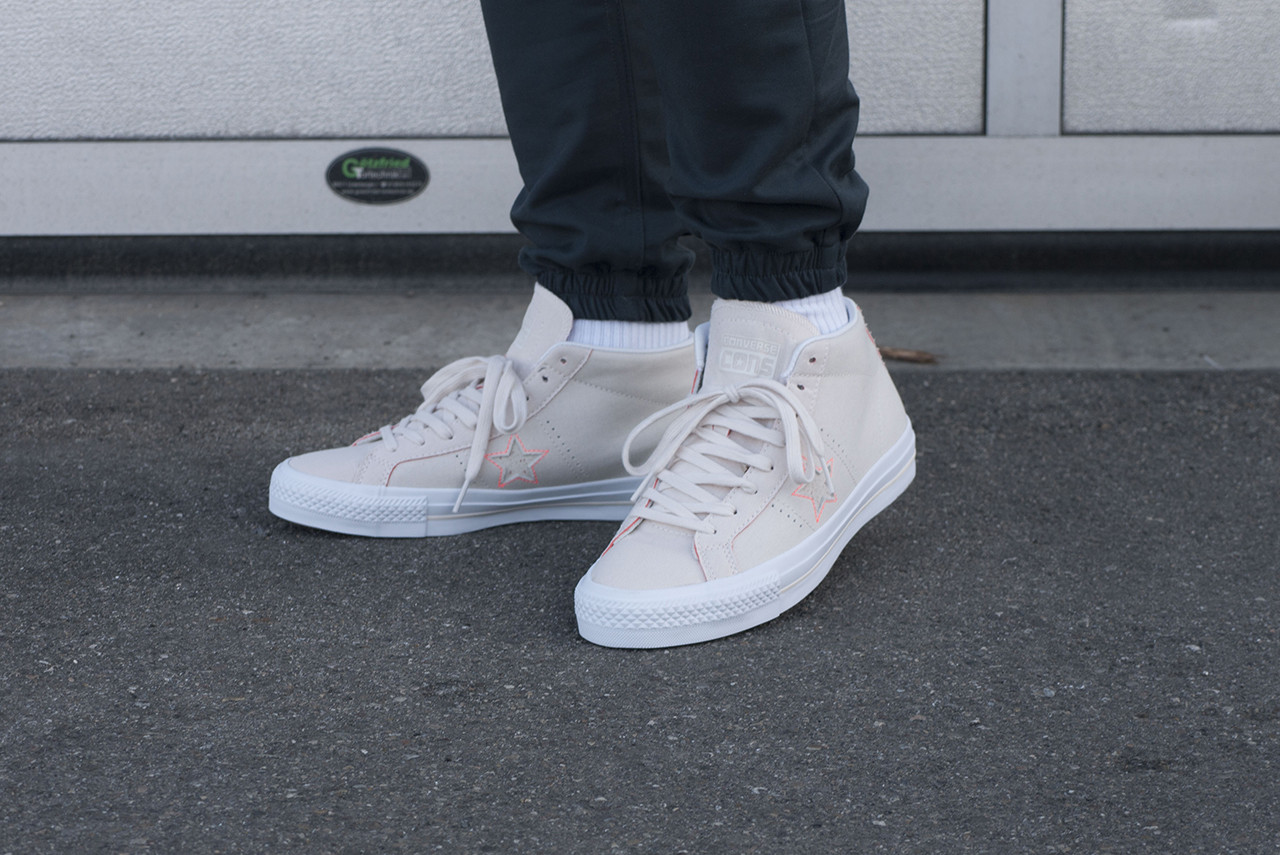 1a488dc0932827 Home · Brands · Converse  One Star Pro Mid